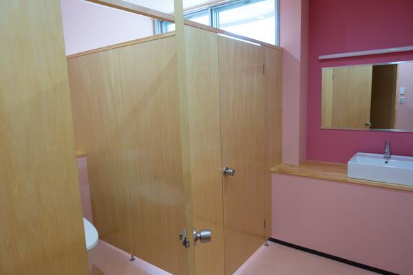 木製トイレ扉
